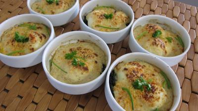 plat complet : Cassolettes d'oeufs mollets à la florentine
