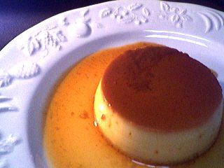 Image : Assiette de crème renversée