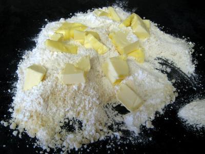 Crumble aux haricots verts et sa crème d'ail - 11.4