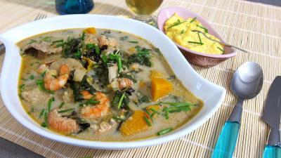 flétan : Plat de crustacés et poisson en marmite
