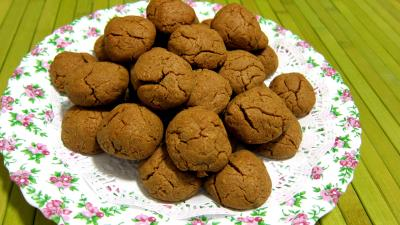 gingembre en poudre : Assiette de pepernoten de la Saint-Nicolas