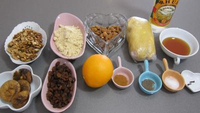 Ingrédients pour la recette : Roulés de fruits secs façon sicilienne