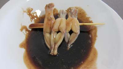Grenouilles caramélisées aux épinards - 9.2