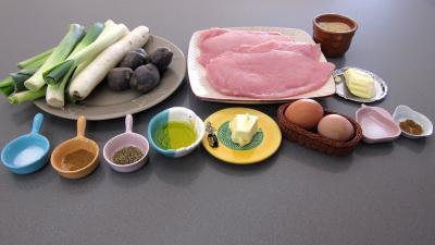 Ingrédients pour la recette : Vitelottes et légumes aux filets de dinde panés