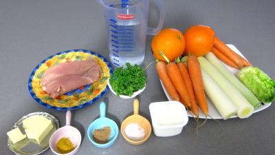 Ingrédients pour la recette : Bouillie ou potage aux carottes et aux oranges