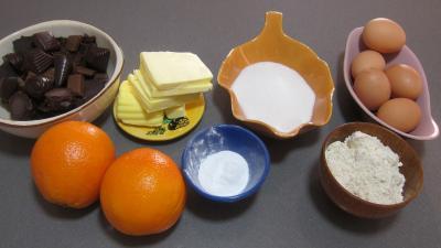 Ingrédients pour la recette : Marquise au chocolat et aux oranges