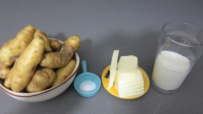 Ingrédients pour la recette : Purée de pommes de terre