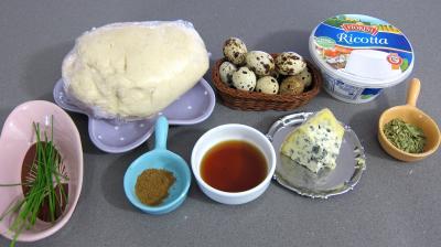 Ingrédients pour la recette : Crackers à la ricotta et aux oeufs de caille