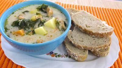 Cuisine diététique : Bol de broutes et blancs de poulet en soupe