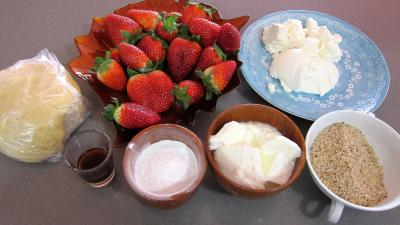 Ingrédients pour la recette : Ricotta aux fraises en tarte