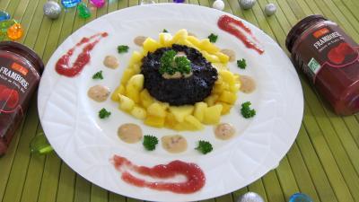 Abats : Assiette de boudin aux pommes et ananas à la purée de framboises Vitabio