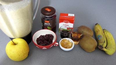 Ingrédients pour la recette : Crêpes farcies à la purée de griottes Vitabio