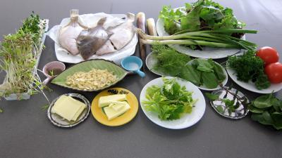 Ingrédients pour la recette : Limandes et sa salade de pousses de bambou et graines germées