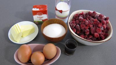 Ingrédients pour la recette : Glace à la framboise