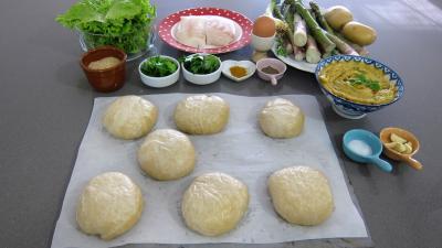 Ingrédients pour la recette : Hamburgers au cabillaud et aux asperges