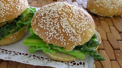 Hamburgers au cabillaud et aux asperges - 11.2