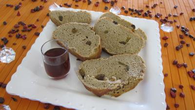Lait d'amande : Assiette de tranches de pain au Porto