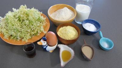 Ingrédients pour la recette : Beignets aux fleurs de sureau