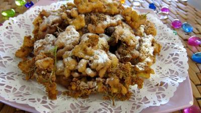 Recettes rapides : Assiette de beignets de fleurs de sureau