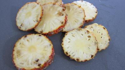 Ananas à la plancha et sa sauce aux fraises - 4.4