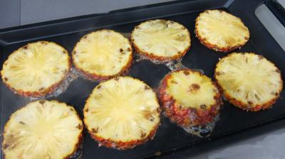 Ananas à la plancha et sa sauce aux fraises - 6.1