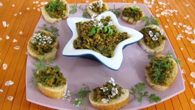 Image : Amuse-bouche de pain recouvert de dahl