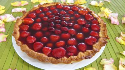 Recette Tarte au fromage nature avec fraises et framboises