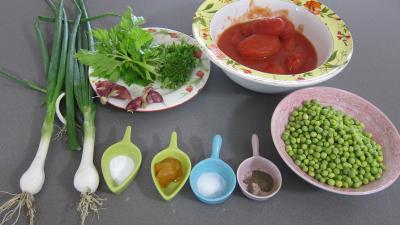 Ingrédients pour la recette : Sauce tomate aux petits pois