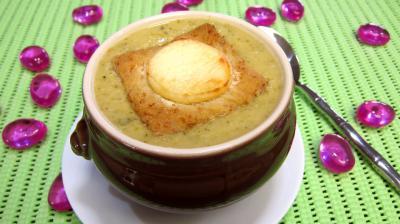 haricots beurre : Bol de velouté de courgette au chèvre chaud