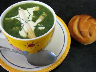 soupe de volailles : Dans le wok la soupe de dinde aux épis de maïs