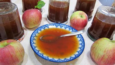 Recette Coupelle de gelée de pommes à la rhubarbe