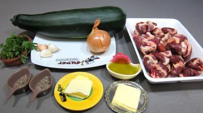 Ingrédients pour la recette : Courgette et coeurs de canard à l'ail et au persil