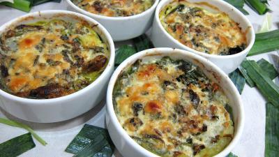 saint agur : Cassolettes de poireaux farcis