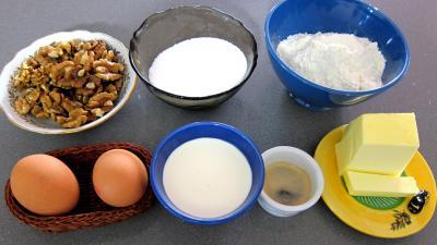 Ingrédients pour la recette : Moelleux aux noix