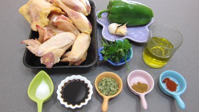 Ingrédients pour la recette : Sauce mojo verde et son poulet grillé à ma façon