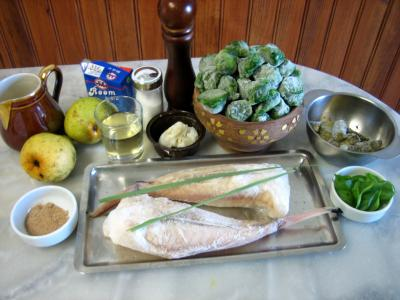 Ingrédients pour la recette : Lotte aux épinards et aux poires confites