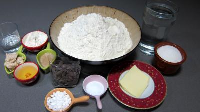 Ingrédients pour la recette : Macatias, les brioches