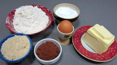 Ingrédients pour la recette : Sablés au cacao