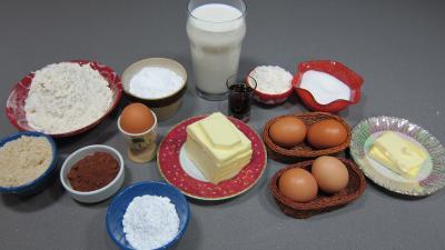Ingrédients pour la recette : Millefeuilles sablés à la crême pâtissière