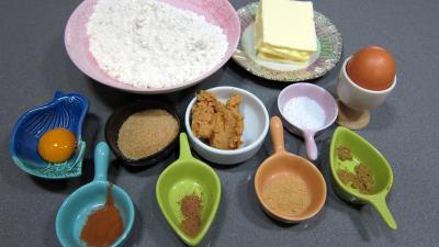 Ingrédients pour la recette : Pâte brisée sucrée, salée