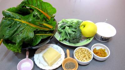 Ingrédients pour la recette : Tarte aux blettes sucrées, salées