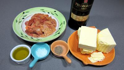 Ingrédients pour la recette : Mousse de foies de volaille au Marsala