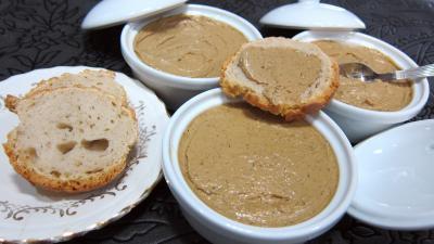 Entrées froides : Terrines de foies de volaille au Marsala