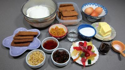 Ingrédients pour la recette : Gâteau fromage blanc aux spéculoos et ses fruits confits