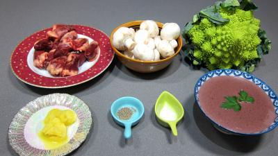 Ingrédients pour la recette : Coeurs de canard, légumes et sauce béchamel au vin rouge