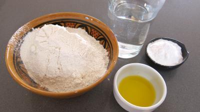Ingrédients pour la recette : Pâte Chinoise à la farine de froment