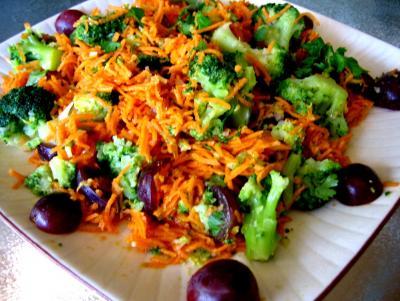 Image : Assiette de carottes à la mandarine et aux raisins