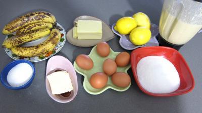 Ingrédients pour la recette : Crêpes à la sauce citron et aux bananes