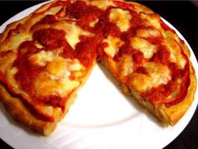 Sauce tomate pour pizza : Pizza au seigle et sa garniture aux artichauts et mozzarella