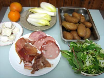 Ingrédients pour la recette : Salade aux restes de pommes de terre vapeur et chèvre